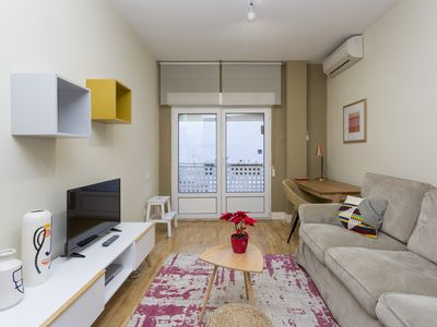 Photo for Quiet 1BR apartment, steps from Fuencarral