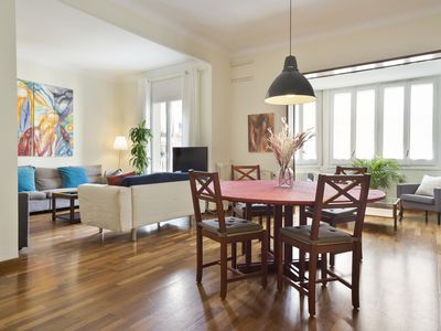 Photo for Fantastic, spacious and centrally located apartment in Barcelona