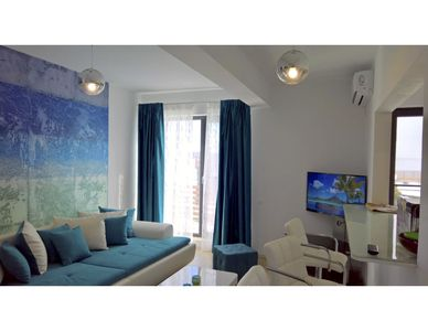 Photo for Luxury furnished apartment with garden and allocated parking