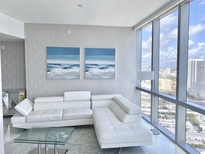 Photo for 3 months min. stay - Soaring Miami is a luxurious condo located at Downtown.