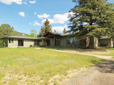 Photo for Snowline Vista Lodge - Open concept home, great for entertaining -- EV #