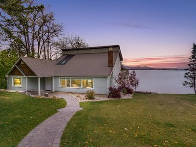 Photo for Lakeshore Cottage - Waterfront Home, 2 miles to town, Private Dock, Boat Lift, A/C