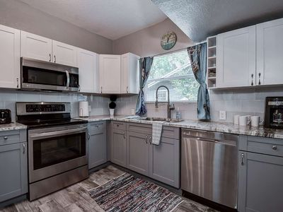 Photo for Hideaway in the Heights - just a short drive to the beach!