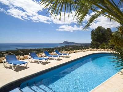 Photo for Stunning private villa for 8 guests with WIFI, A/C, private pool, TV, balcony and parking