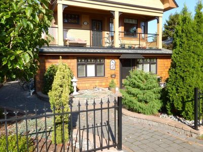 Photo for Luxurious ground floor suite close to ocean and downtown Victoria!