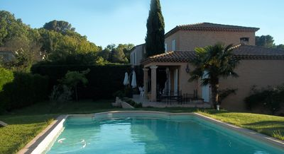 Photo for Beautiful Provencal property of 195m² with swimming pool. 3 km from Aix center