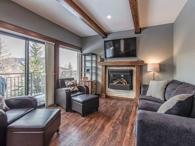 Photo for Cozy family condo w/ shared tennis & fantastic views of the Schweitzer mountains