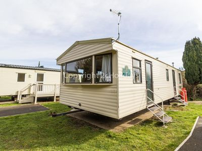 Photo for Caravan for hire near sleeping 8 near Great Yarmouth in Norfolk, 10004G