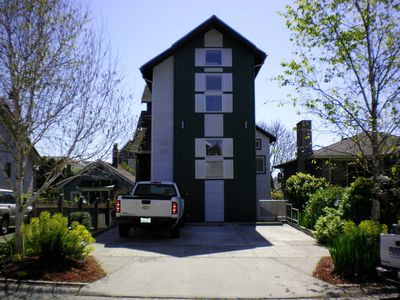 Ballard Cozy, Warm & Private Home Apartment with King bed