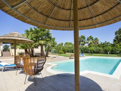 Photo for Alghero Villa for 8/10 people, with 4 bedrooms, 3 bathrooms, swimming pool and tennis court