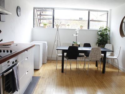 Photo for The Jericho Daydream - Lovely 3BDR Jericho Townhouse
