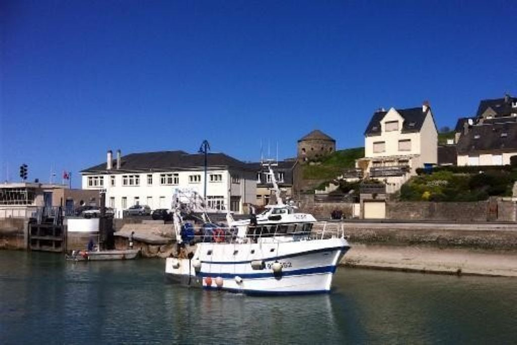 Exceptionally Located On The Port Beautiful HomeAway Porten - Location port en bessin