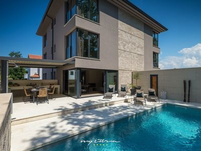 Photo for Beautiful villa near the sea in Umag