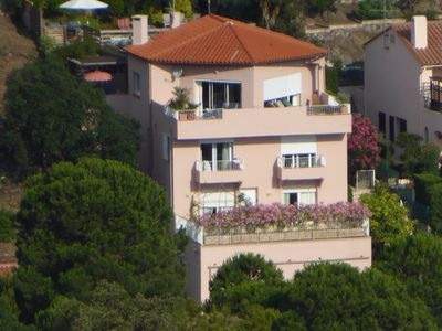 Photo for Collioure,spacious comfortable house, pool, sea views, Med 7 mins walk