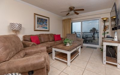Photo for TRADEWINDS 2 Bedroom **BEACH FRONT!**  *FREE Nights!*