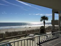 Lovely condo @ ocean shore w/ beautiful view, nice accomodations.