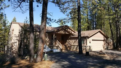 Photo for Great Sunriver Location - Close In! WiFi, Hot Tub, 12 ea. SHARC passes