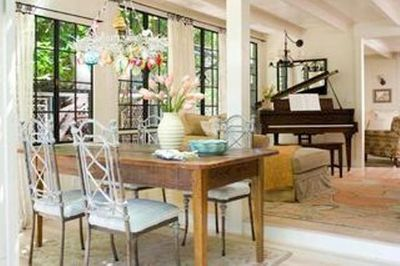 Open plan living with dining room & baby grand piano