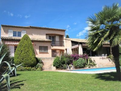Photo for Villa Saint-Raphaël, 4 bedrooms, 10 persons