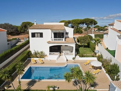 Photo for Villa Mila -  5 Bedroom Villa with pool near to beach and Albufeira.