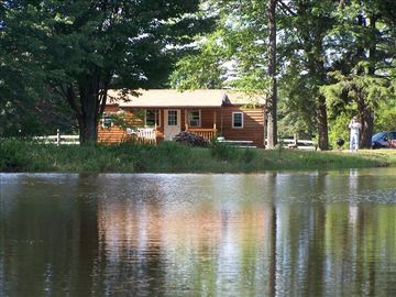 Treaster's Cabin *Paddleboat/Great Fishing* ( No fishing license required.)