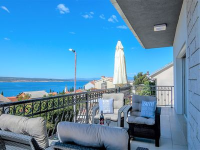 Photo for Holiday House Queens with Sea View / Apartment Queens III with Sea View