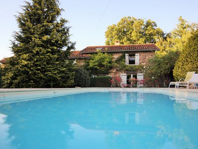 Photo for Charming house with private heated pool and sauna in the countryside