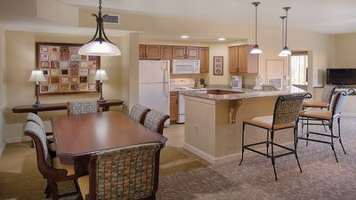 Make cooking meals a breeze in the full kitchen/dining area