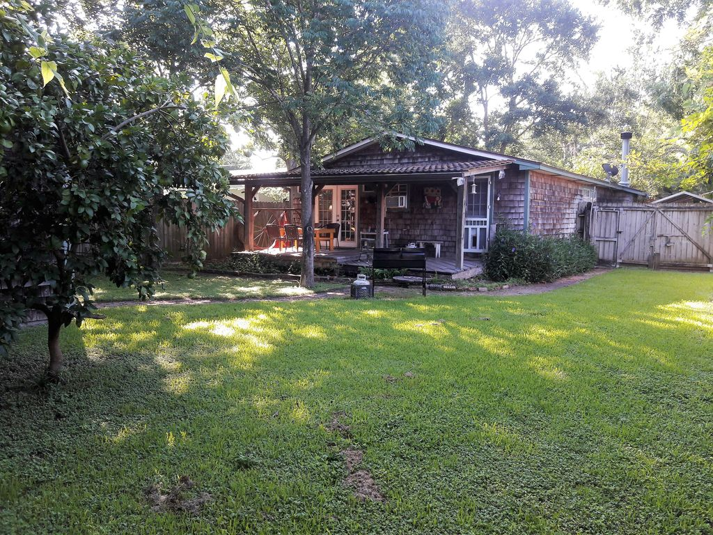 look no further very charming 2 miles fr vrbo