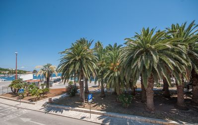 Photo for Luxury apartment with seaview in the centre of Vis