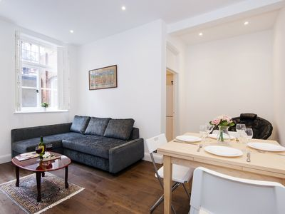 Photo for Lovely Collingham Gardens Apartment - DA01 - One Bedroom Apartment, Sleeps 4