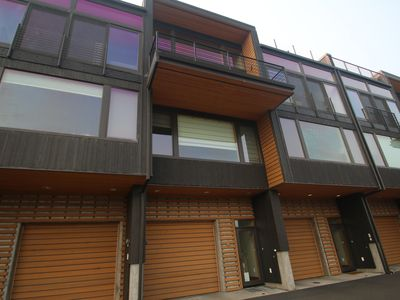 Photo for Best spot in town! Contemporary 2 bd/2.5 bth townhome, downtown Hood River, big views, sleeps 6