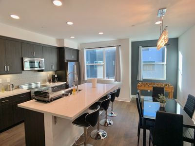 Photo for Luxury Modern Townhouse w Parking 12 mins to SF