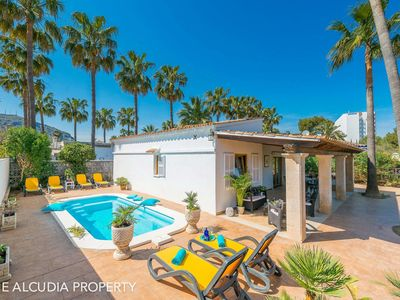 Photo for Offer! 20% discount onVilla Claudine,  800 meters from the beach with pool, for 6 People