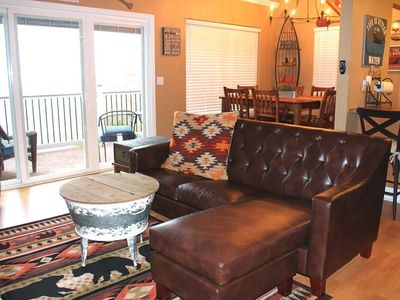 Photo for Fantastic Family Lake Condo. Super Nice! 1 mile to Silver Dollar City! Panoramic Lake View.