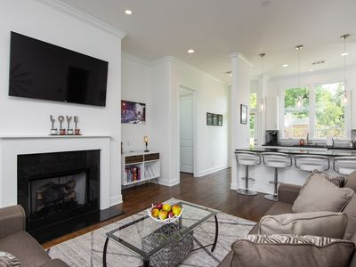 4 Bedroom 🛏️ Modern Townhome - Minutes to DOWNTOWN🍻 and Nissan Stadium 🏈