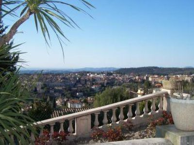 Photo for Provençal house with swimming-pool and garden - Fantastic view