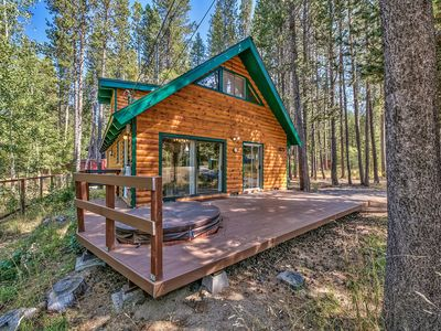 Photo for Upgraded Mountain Chalet  3 Bedrooms Plus Hot Tub