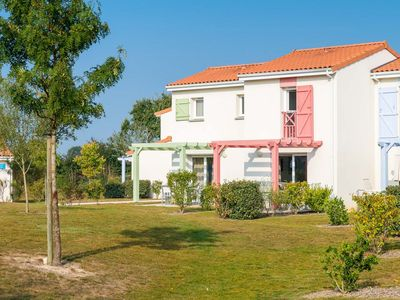 Photo for Modern holiday park with swimming pool and equipped with every comfort