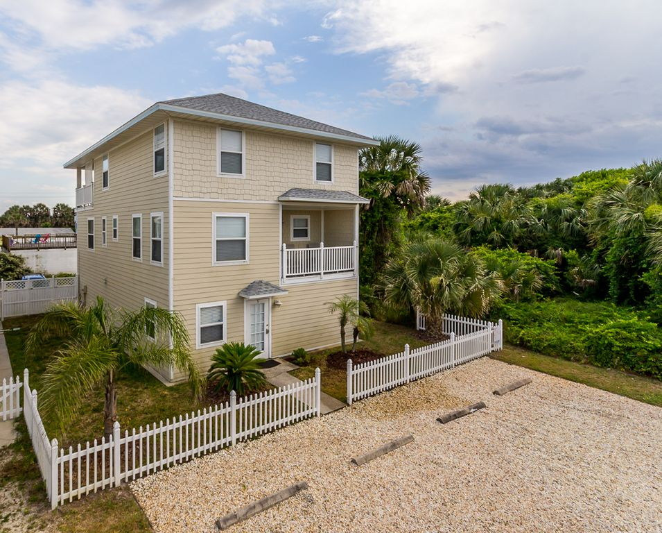 The Sand Castle Beach House Perfect Location Great Price