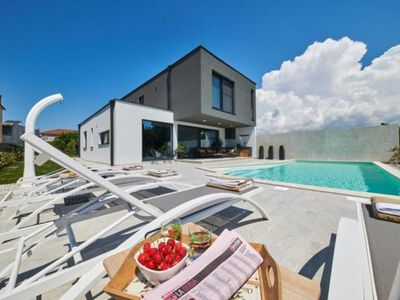 Photo for Holiday house Novigrad for 8 - 10 persons with 4 bedrooms - Holiday house
