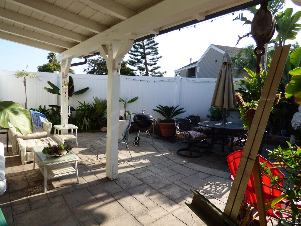 Property Image16 STUNNING CRAFTSMAN BEACH BUNGALOW IT HAS ALL YOU NEED AND A