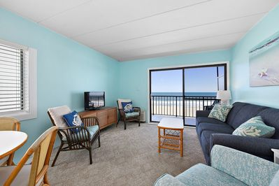 Beautiful 1 bedroom oceanfront condo with fabulous blue color palette, free  WiFi, and an indoor pool located right on the boardwalk! - Ocean City