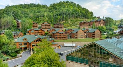 FOURTH OF JULY 2021 week at Luxury Smoky Mtn. Resort - FREE WATERPARK 7/3 - 7/10