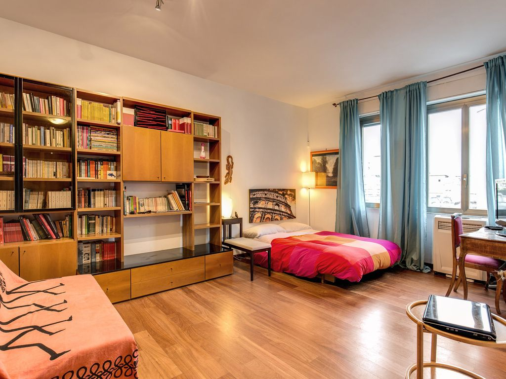 appartement moderne dans le centre de rome pr s du m tro a 40 m tres carr s wi wi a c. Black Bedroom Furniture Sets. Home Design Ideas