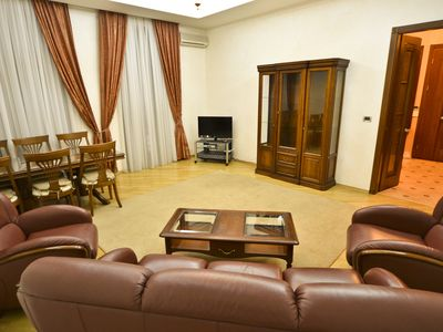 Photo for Wonderful 3-bedroom accommodation near Synagogue