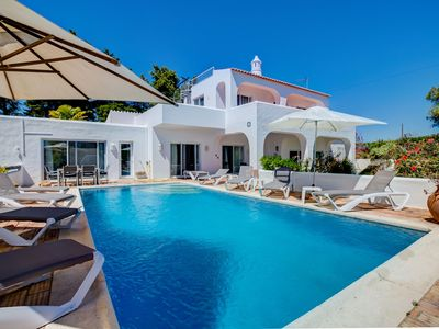 Photo for Located on Carvoeiro Clube, fabulous pool area & gardens, perfect for a families