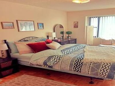 Photo for Fully Furnished 1-Bedroom Apartment in the Heart of Downtown Toronto ♥️