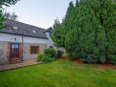 Photo for Delightful idyllic cottage, near Lyme Regis
