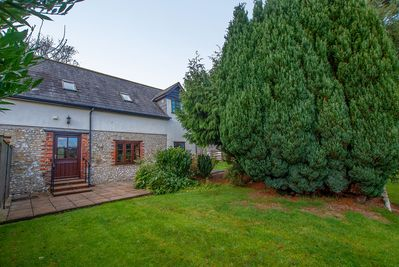 Furzleigh - Courtyard Cottage, Axminster, near Lyme Regis. with enclosed garden.